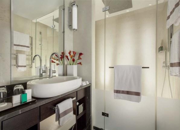 hotel-savoy-lausanne-badezimmer