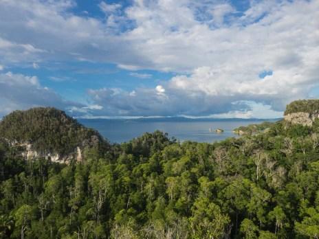Hausberg Pulau Pef