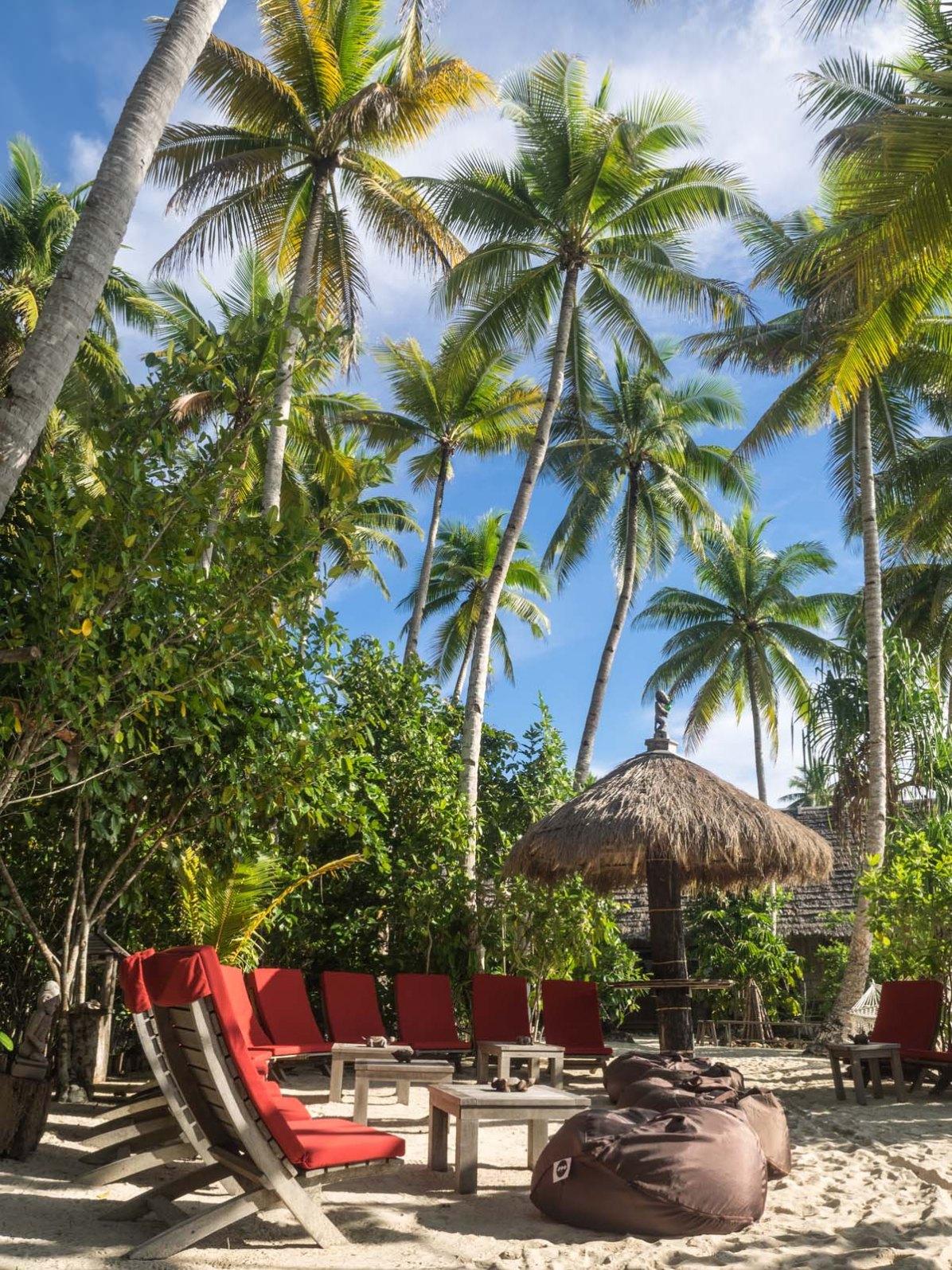 Lounge Bar Pulau Pef Raja Ampat