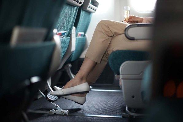 Premium Economy Cathay Pacific13