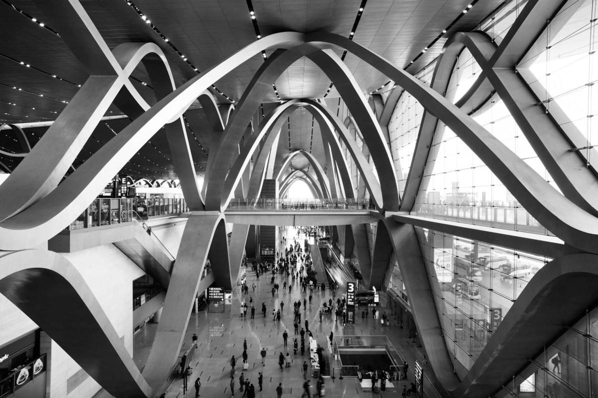 Ankunft am Flughafen von Kunming - die moderne Seite Chinas - © Nico Schaerer, nuvu.ch