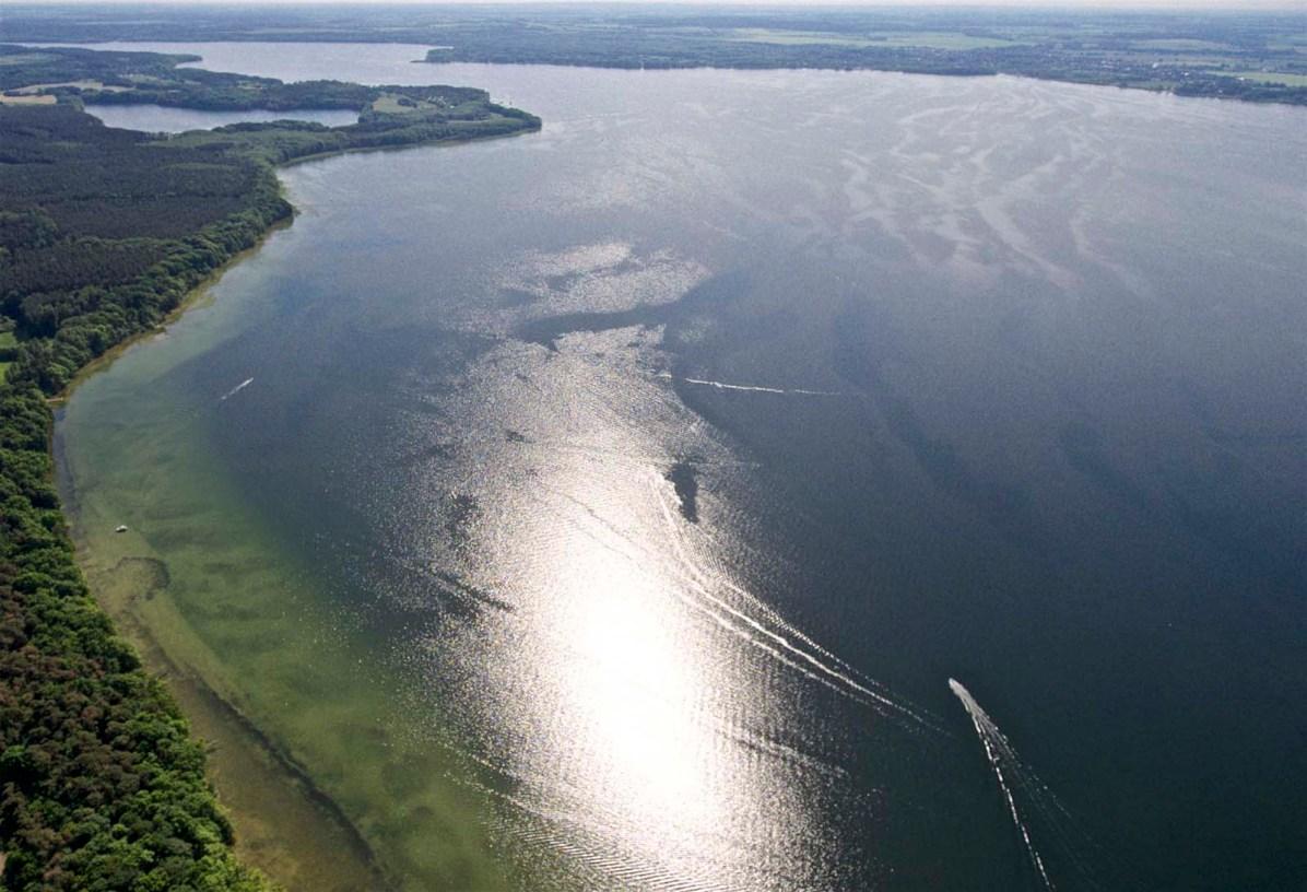 Für Hausboote gibts hier grenzenlose Möglichkeiten
