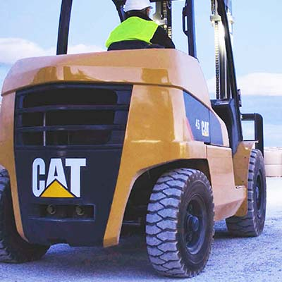 Picture showing the rear of a CAT Lift Truck