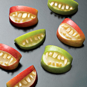 apple-bites-halloween-recipe-photo-420-ff1007efca01
