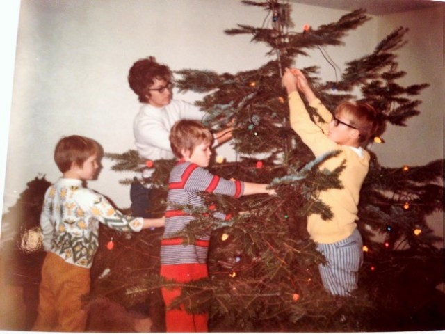 Tree Trimming '70's Style