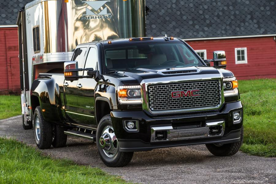 2017 GMC Sierra HD     Powerful Diesel Heavy Duty Pickup Trucks GMC life 2017 sierra hd reveal