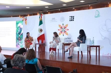 /cms/uploads/image/file/201735/Foto_2_La_Canciller_a_inaugur__el__Primer_Encuentro_Global_de_Cocina_Tradicional.jpg