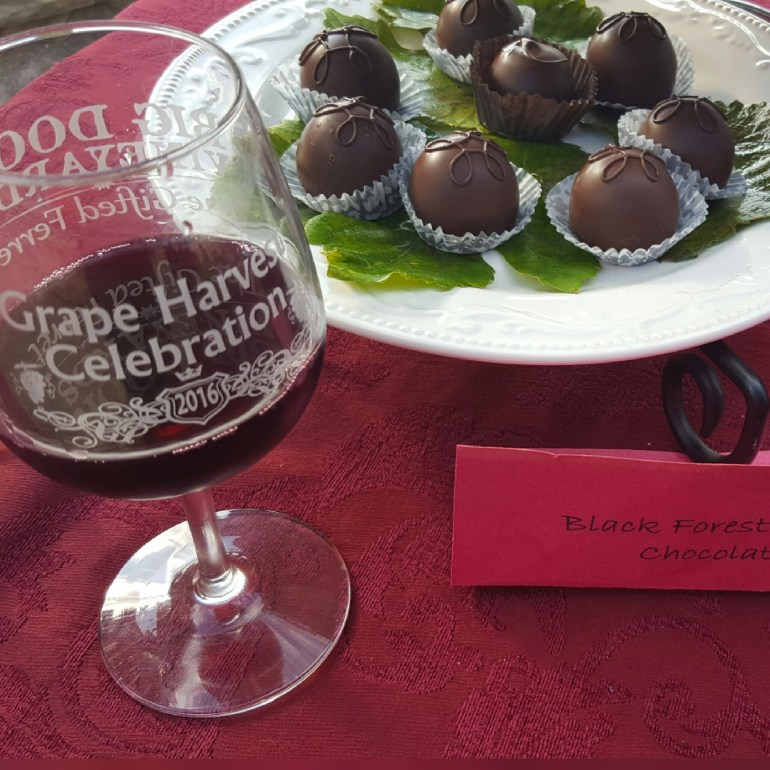 handmade-grand-chocolate-truffles-sangue-di-giuda