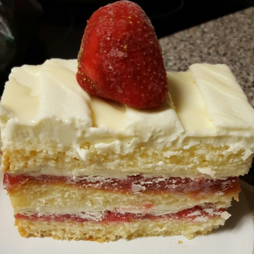 Inspired-by-happiness-white-chocolate-shortcake