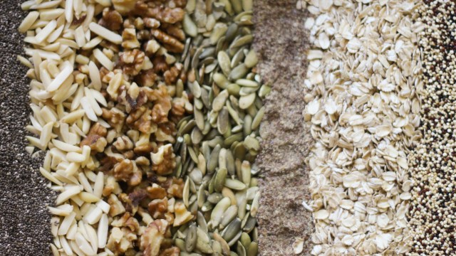 Skinny pumpkin spice granola ingredients