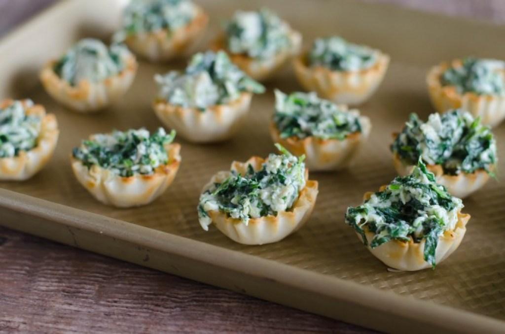Spinach Artichoke Phyllo Cups | Go Go Go Gourmet @gogogogourmet