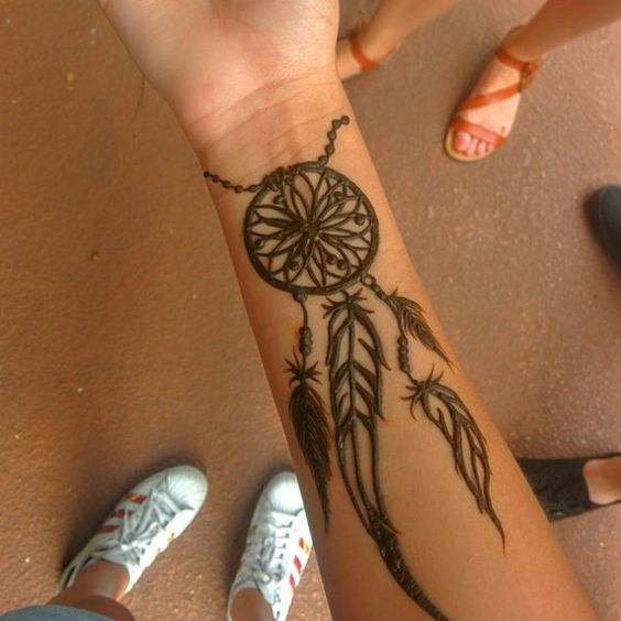 9 inspiring henna tattoos go hippie chic for Henna tattoo arm designs