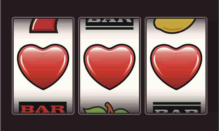 slot machine with hearts