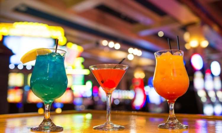 free casino drinks at Golden Acorn Casino