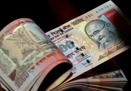 India Rupee Kick off This Week as Risk Sentiment Wanes