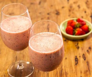 Berry, Honey & Mint Smoothie