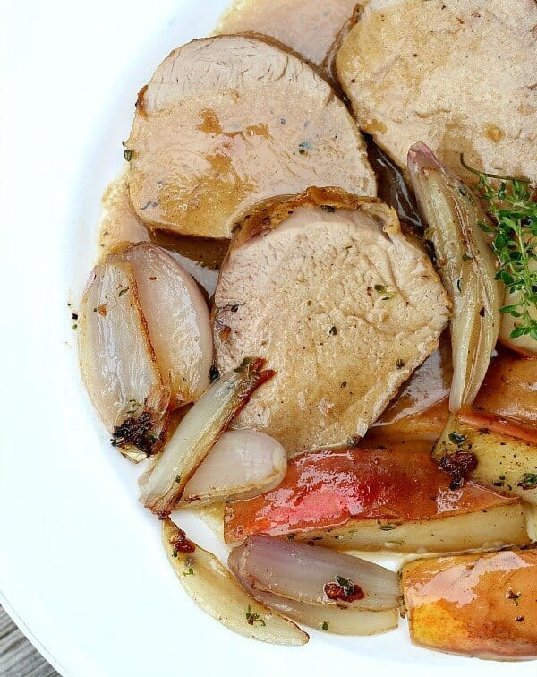 how to make gravy from roast pork juices