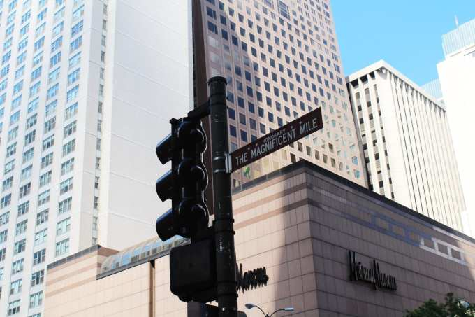 Planning a trip to the windy city? 7 Spots every Chicago tourist needs to visit    Magnificent Mile