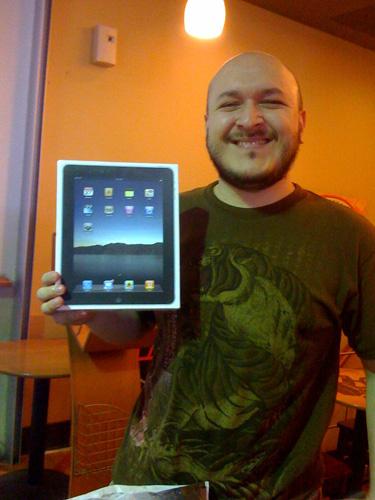 Jorge Cavazos y su iPad