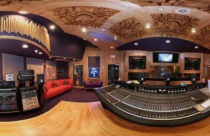 Inside-Princes-incredible-Paisley-Park-studios (3)