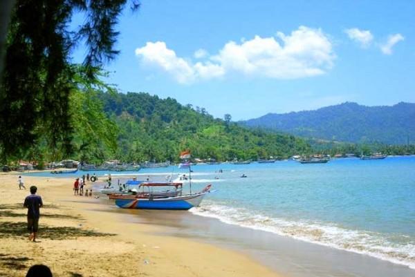 wisata pantai caroline