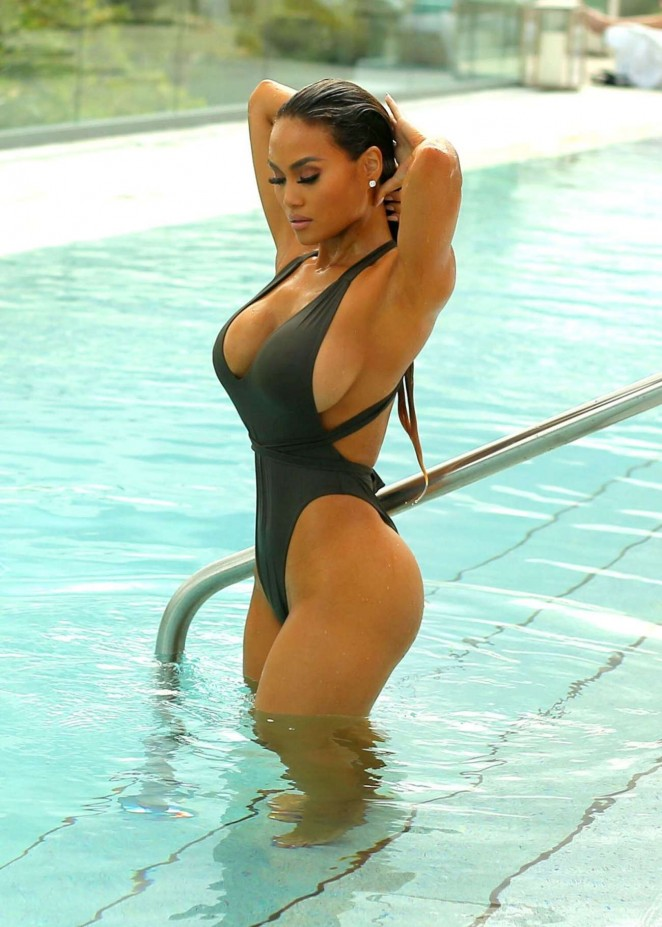 daphne joy before surgeries