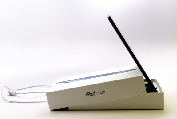 ipad-mini-stand-dock-apple 1