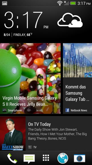 HTC BlinkFeed offers fast access to news and social networks, and is customizable.