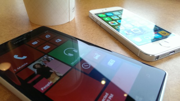 Apple iPhone 5s vs. Nokia Lumia 925 What To Buy (5)