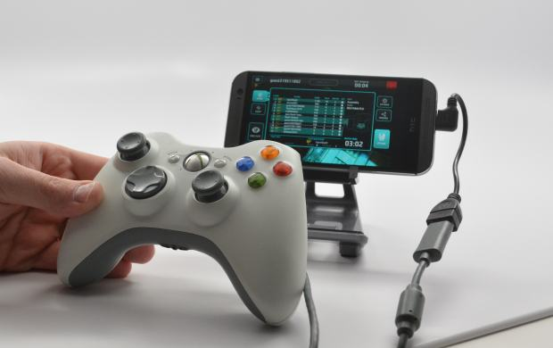 Use an Xbox controller with the HTC One M8 to play games.