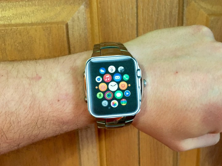 Here's how to see which Apple Watch size fits your wrist best.