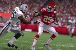 Madden 16 Features Gameplay - 2