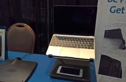 Kensington SmartFit Wireless Charging Laptop Riser