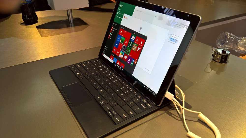 samsung galaxy tabpro s hands on at ces 2016. Black Bedroom Furniture Sets. Home Design Ideas
