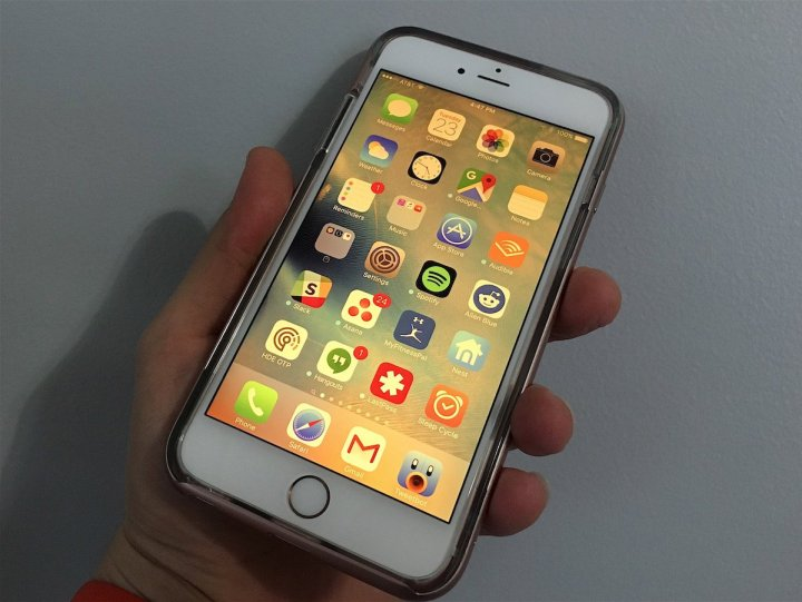 Install iOS 9.3.5 If You Want to Improve Security