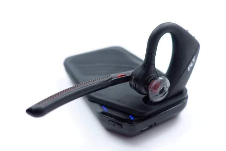 Use the case as a desktop charger connected to power, or charge from the battery.