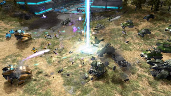 A battle from the original Halo Wars.
