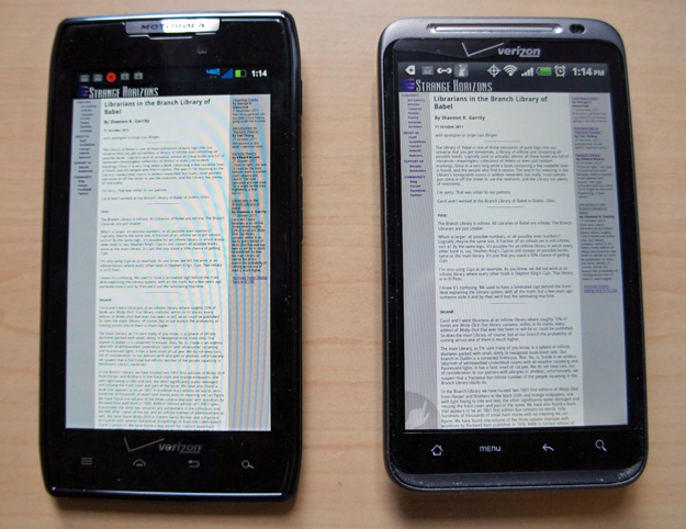 Droid RAZR and HTC Thunderbolt - screen comparison