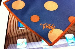 The Toddy microfiber cleaning cloth