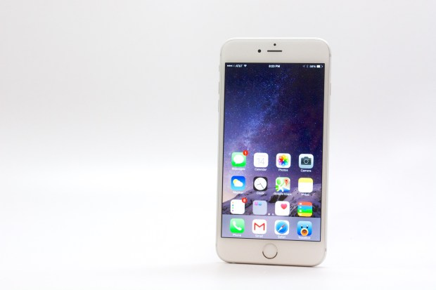 Overall iOS 8.1.1 connectivity is solid on the iPhone 6 Plus.