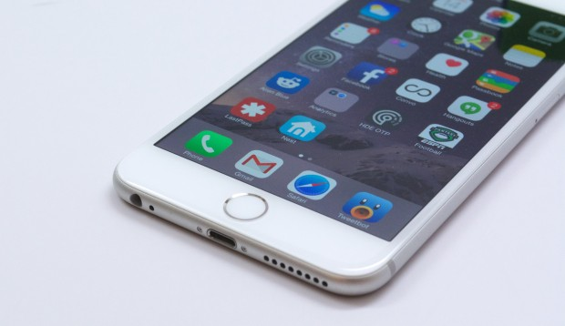 If you have any problems now, it's worth installing iOS 8.1.1 on the iPhone 6 Plus today.