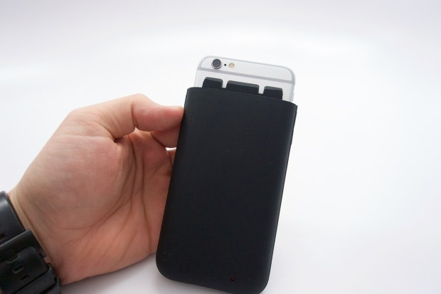 iPhone 6 Mophie Juice Pack Plus Review -  6