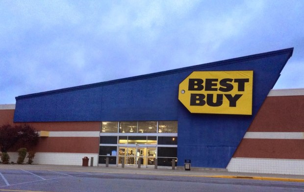 Best Buy plans to offer many midnight Call of Duty: Advanced Warfare release date events.