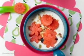 Joghurt mit Melonenblumen #rezept #gourmetguerilla