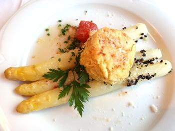 Kartoffelsouffle mit Spargel