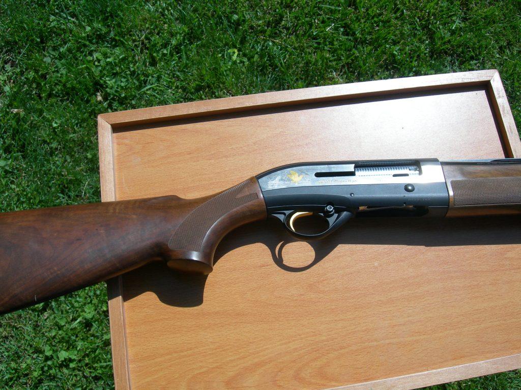 Like new Beretta AL391 Urika semi-auto shotgun for sale.