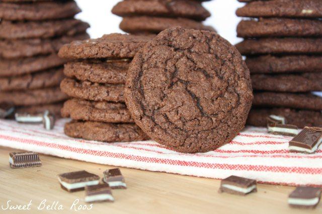 Triple Chocolate Mint Pudding Cookies www.sweetbellaroos.com #chocolate #mint #cookies