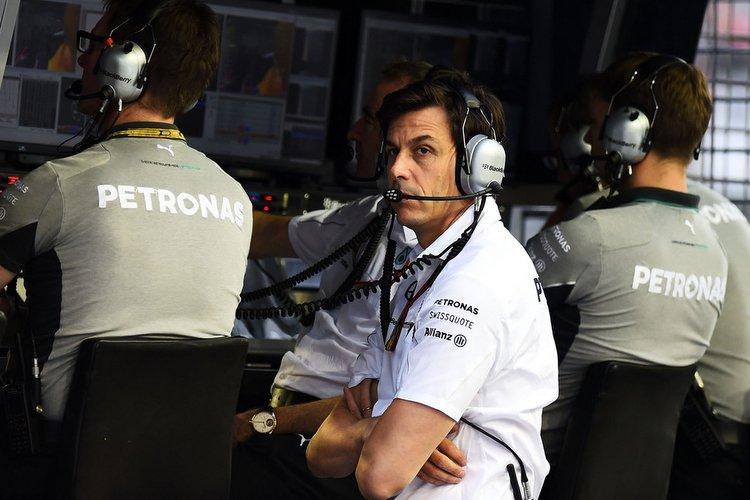 Toto-Wolff-F1-Grand-Prix-Singapore-Quali