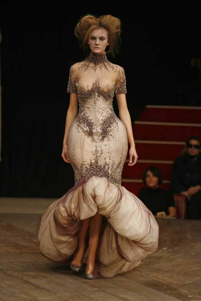 Alexander McQueen SS07 Images courtesy of Dan Lecca