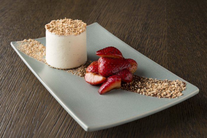 Monkey Shoulder Cranachan Cheesecake with Roasted Balsamic Strawberries